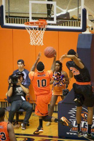 Men's basketball finishes 5-27