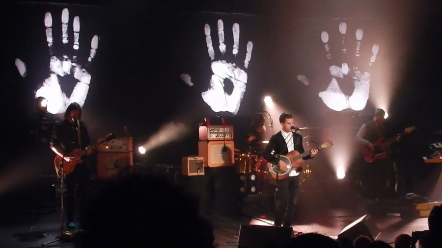 Kaleo+performs+amist+a+background+of+handprints+to+promote+their+Handprint+Tour.+Photo+by+Raquel+E.+Alonzo%2C+The+Paisano