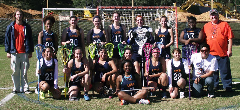 UTSA women's lacrosse players and coaches pose for a team photo after their weekly practice. Photo courtesy of Shakira Wingate