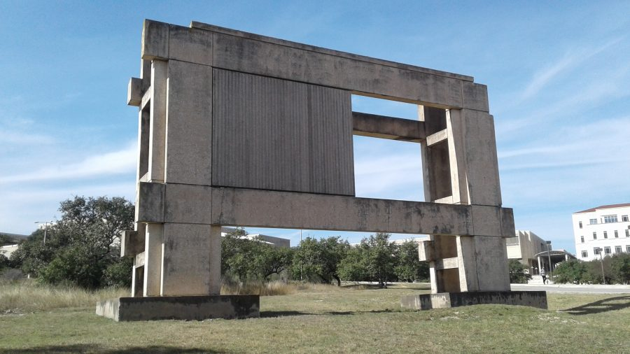 UTSA%E2%80%99s+unnamed+Stonehenge+located+near+music+and+arts+building.+Photos+by+Jeremiah+Hobbs