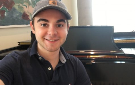 UC piano player on Main Campus plays his heart out