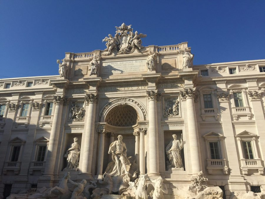 The+Trevi+Fountain+in+Rome%2C+Italy