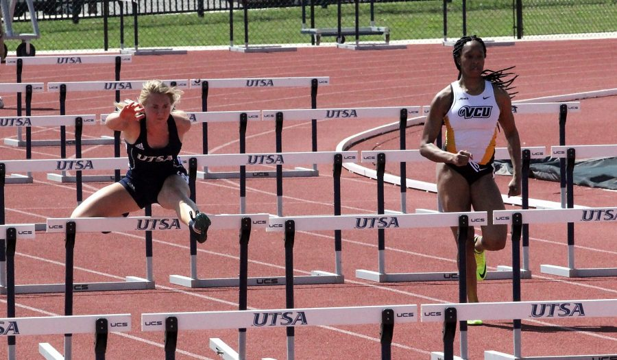 Track and field hosts Roadrunner Invitational