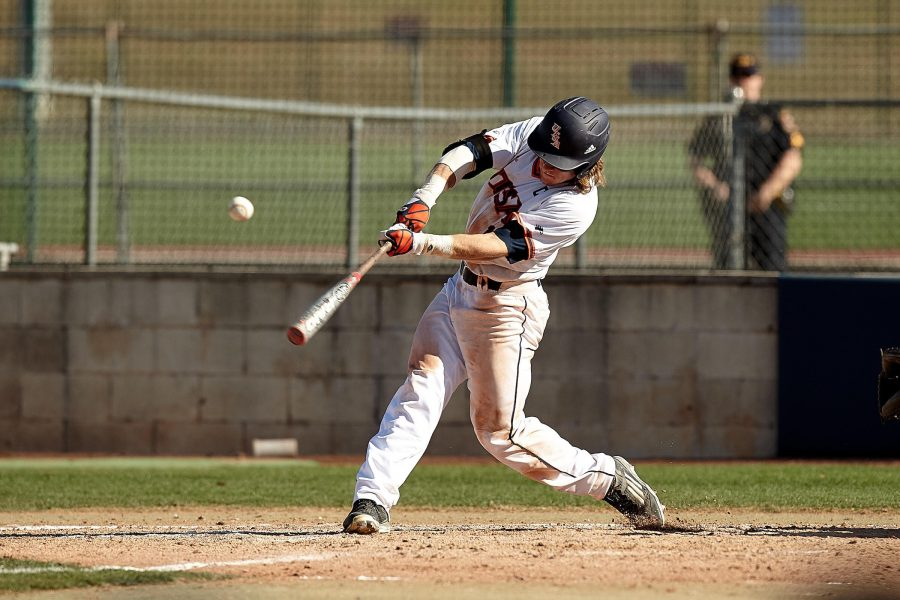 Kevin Markham connects on a pitch. Photo coutesy of Jeff Huehn/UTSA athletics