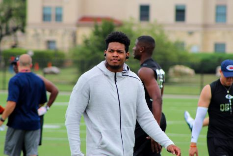 Marcus Davenport recieved more hype than any former Roadrunner ever. Ricky Galindo/The Paisano