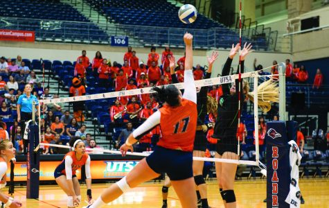 Volleyball and women's golf off to hot start