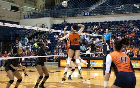 Roadrunner volleyball off to a strong start