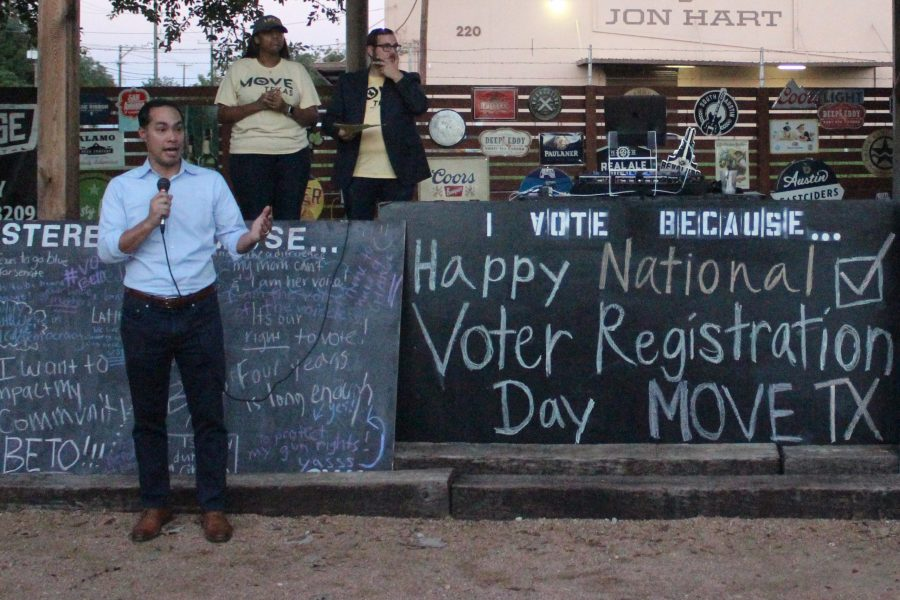 Julian Castro speaking at National Voter Registration event hosted by MOVE Texas. Ben Shirani/The Paisano