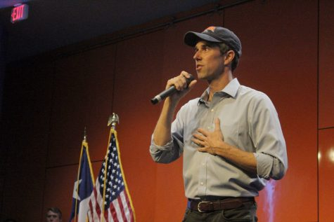 Beto O'Rourke speaks in the Retama: Beto continues college tour