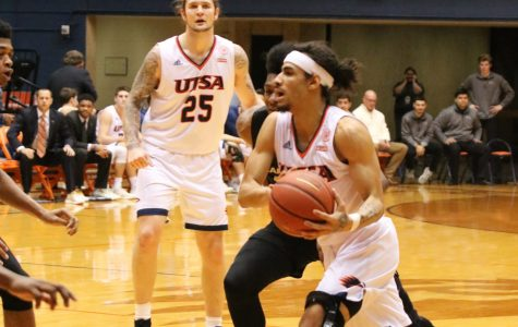 Men's basketball ties for first in Conference-USA