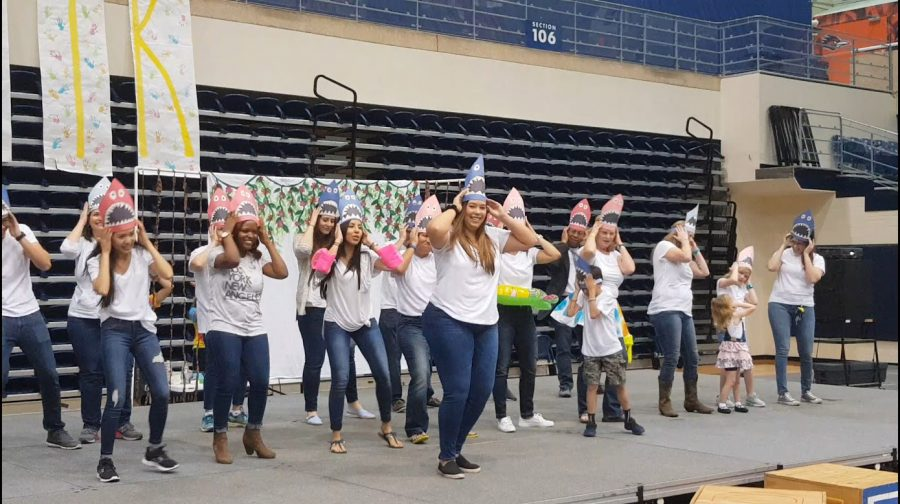 Nurses+from+University+Hospital+participate+in+dancing+at+the+FTK+event.