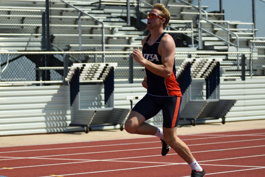 Justin Wright runs towards the finish line.
