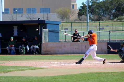Bryan Arias bats for first base. Ethan Gullett/The Paisano