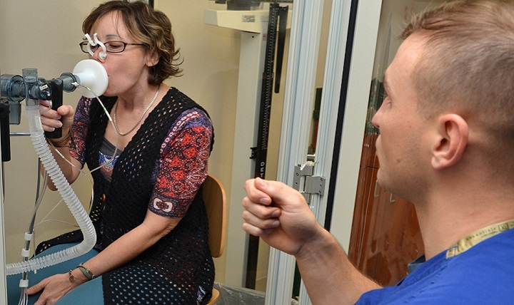 Navy Hospital Corpsman 3rd Class Joshua Lazenby, a respiratory technician at Naval Hospital Jacksonville, Internal Medicine, administers a pulmonary function test to Joy Davis. A pulmonary function test measures how well the lungs add oxygen and remove carbon dioxide from the blood. February is American Heart Month; spread the word about stopping this deadly disease and encourage people to live heart-healthy lives.