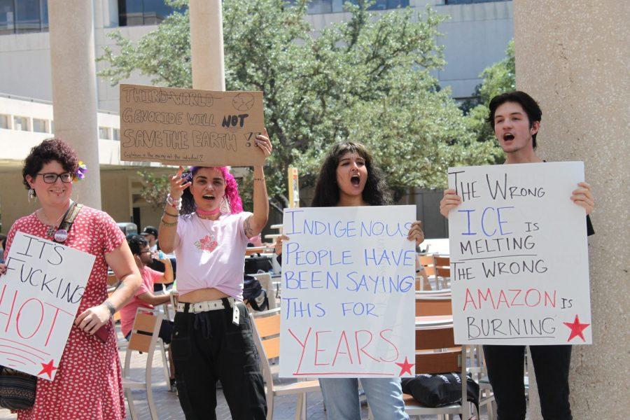 Students protest at Sombrilla Plaza. Photo by Cheyenne Morton