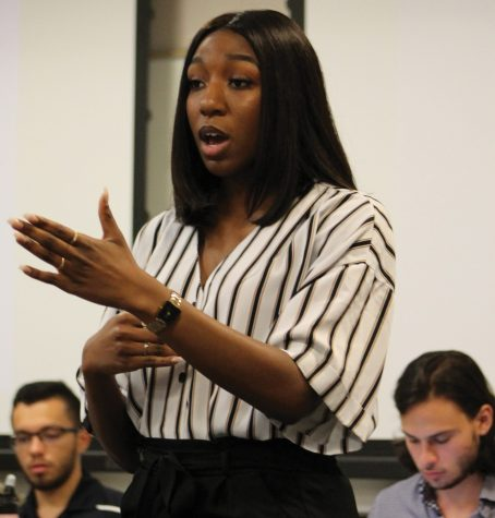 Student government votes in Clara Akwarandu as fourth justice. Photo by Rudy Sanchez