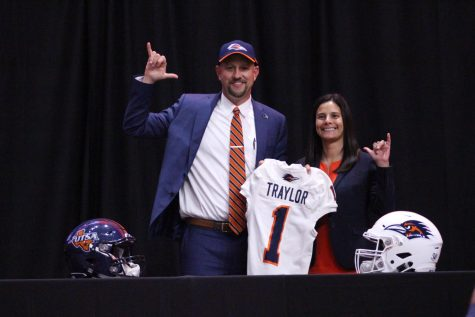 UTSA's Vice President for Intercollegiate Athletics and Athletics Director Lisa Campos and head football coach Jeff Traylor at Traylor's welcome conference in December of 2019.