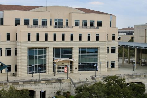 An empty Main Building sits on UTSA