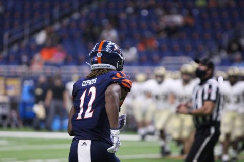 Wide receiver Joshua Cephus jogs onto the field during UTSA