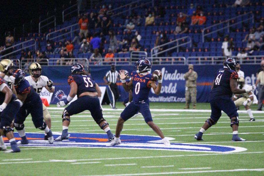Frank Harris looks to pass against Army earlier this season.  Harris, who has dealt with a knee injury for more then a month, and his backup Jordan Weeks, are a big part of UTSA's dwindling QB depth chart.