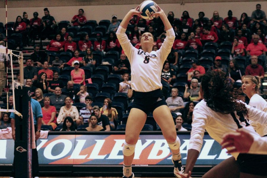 Courtney Walters sets the ball during a game last season.