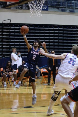 Jhivvan Jackson goes up for a layup against FAU on Saturday. Jackson averaged 25 points, 7.5 assists, and 6.5 rebounds for the series, earning C-USA Player of the Week honors.