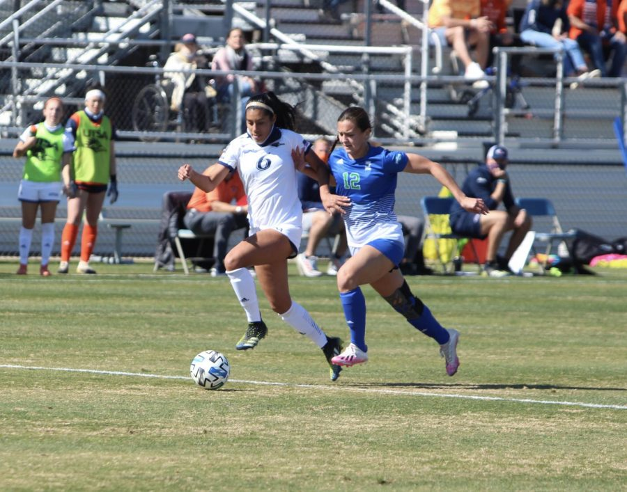 Ariana Gomez makes a run towards the goal during the 'Runners first game of the season on Monday, Feb. 11 against Texas A&M-Corpus Christi.