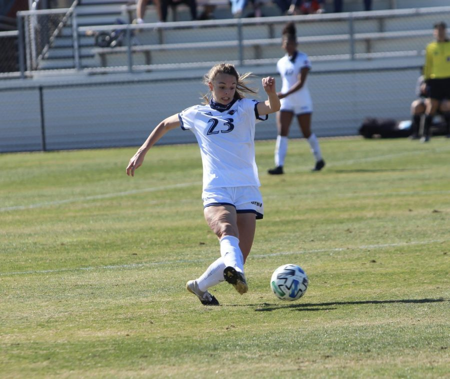 Alex Granville controls the ball during a game against Texas A&M-Corpus Christi. The sophomore midfielder and defender from Maitland, Fla., has started all three games for the 'Runners this season and logged a full 90 minutes of work in her past two games.