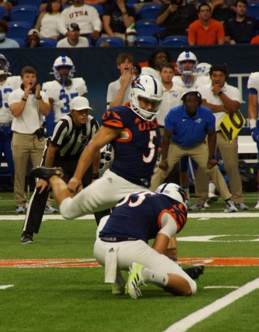 Hunter Duplessis kicks a field goal during last weeks game against MTSU. Duplessis has made 83.33% of his kicks at uTSA and has two carer game-winning field goals. Dustin Vickers/The Paisano