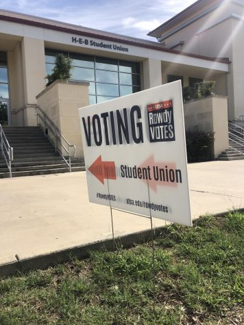 The H-E-B Student Union is the only voting location on campus. Bella Nieto/The Paisano